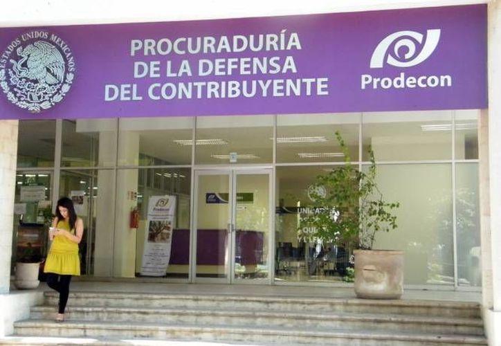 Las jornadas móviles tienen como finalidad difundir la cultura contributiva y servicios que ofrece Prodecon de forma gratuita. (Redacción/SIPSE)