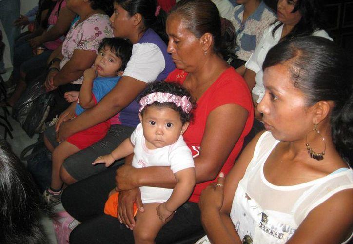 Los niños al igual que las personas que no cuenten con un registro, podrán ser asentados sin costo alguno en abril y parte de mayo. (Javier Ortiz/SIPSE)