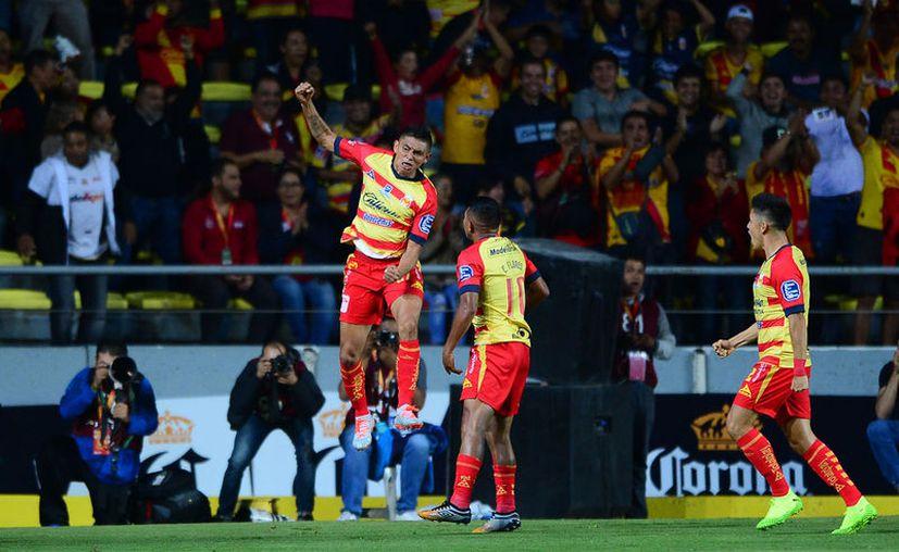 Miguel  Sansores no solo hizo dos goles, sino que uno de ellos es el más rápido registrado en lo que va del torneo (Fotos mexsport)