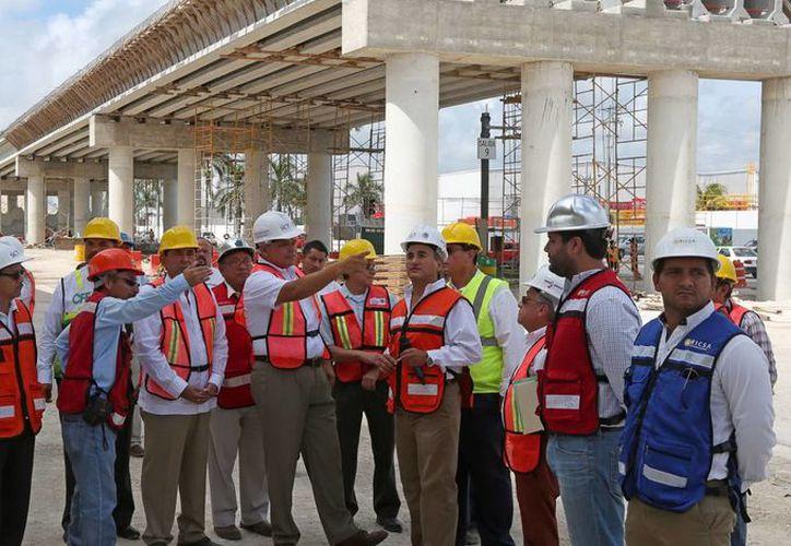 Empresarios integrantes del ramo de la construcción consideran que el trabajo del Gobernador ha sido productivo. (Milenio Novedades)