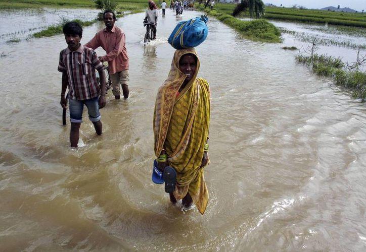 Evacuaciones en el distrito de Ganjam, perteneciente al estado de Orissa. (Agencias)