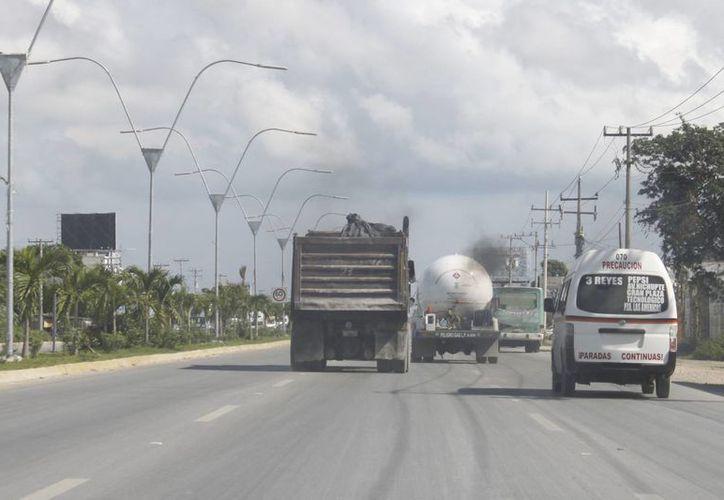 Buscan que la vialidad sea más fluida en la López Portillo. (Sergio Orozco/SIPSE)