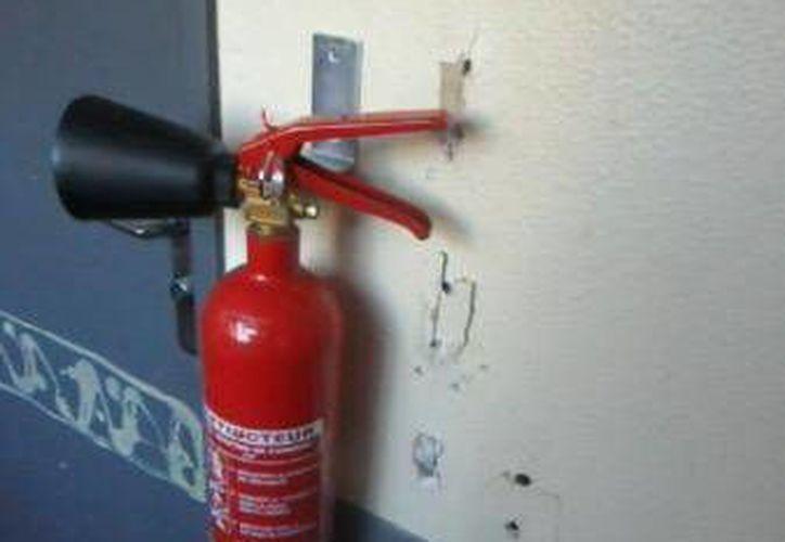 Hay diferentes tipos de extintores de acuerdo al tipo de fuego que se combatirá. (Foto de contexto/Internet)