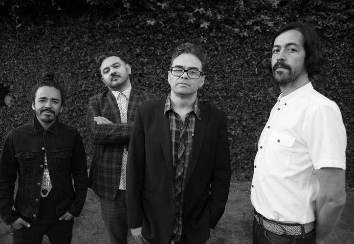 La banda Café Tacvba se encuentra trabajando en su nuevo álbum que saldrá a mediado de este año.(Foto tomada de Facebook/Café Tacvba)
