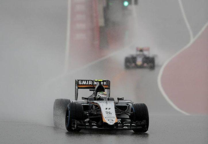 Sergio 'Checo' Pérez estuvo 'lento' durante las prácticas libres del Gran Premio de Estados Unidos.  (AP)