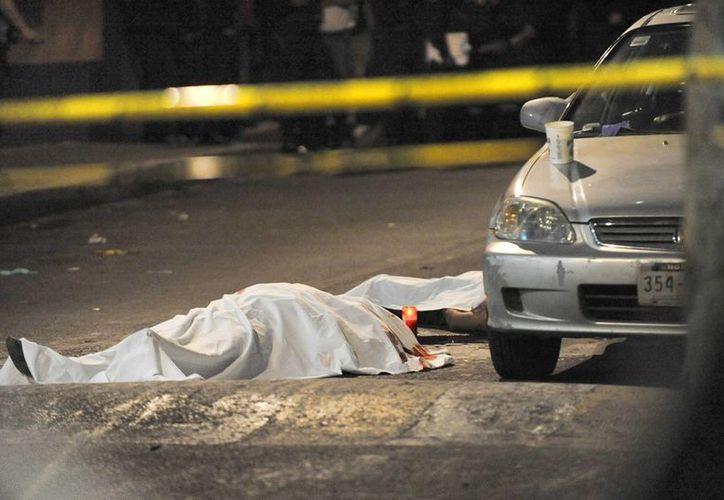 La Fiscalía de Veracruz ya identificó a cinco de los seis cadáveres hallados en Veracruz, uno de ellos era un policía ministerial. (Imagen de contexto/vanguardia.com.mx).