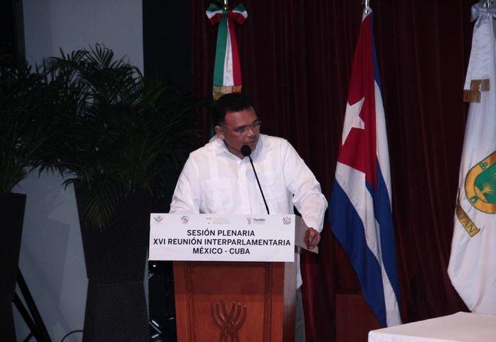 El gobernador Rolando Zapata estará este sábado en el Complejo Deportivo Kukulcán para entregar implementos deportivos. (Foto de contexto de Jorge Acosta/SIPSE)