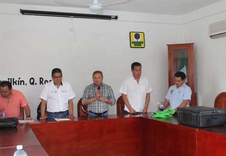 El presidente municipal encabezó la reunión. (Raúl Balam/SIPSE)