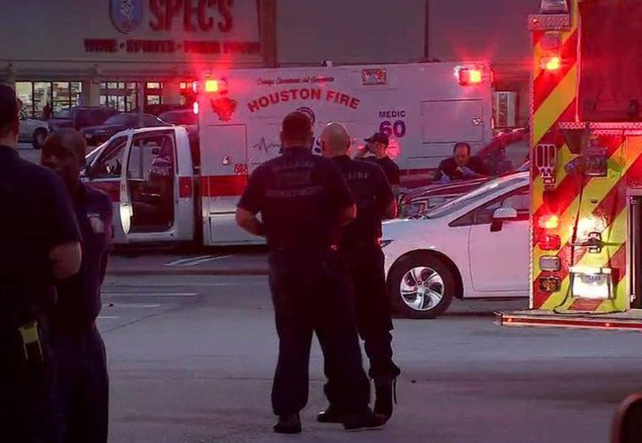 Un fuerte dispositivo de seguridad fue desplegado en el área. (twitter.com/abc13houston)