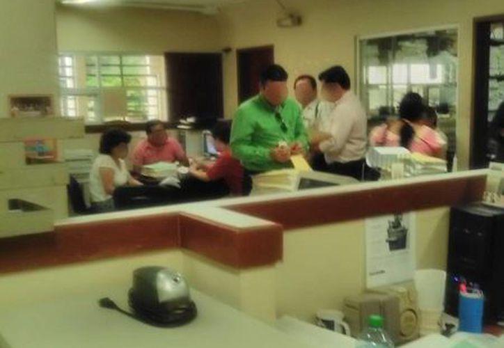 Una padre de familia que debía más de un millón de pesos en pensión alimenticia los pagó en efectivo. (Francisco Puerto/SIPSE)