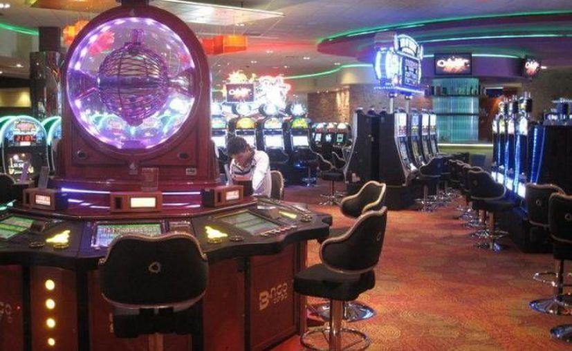 Cerca de los casinos  florece el negocio de préstamos, incluso algunos abren todo el día. (Archivo SIPSE)