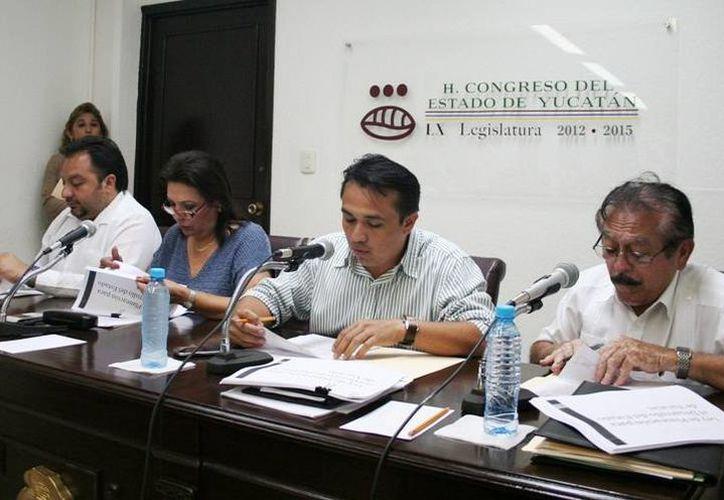 Imagen que ilustra la sesión de la comisión de diputados. (Milenio Novedades)