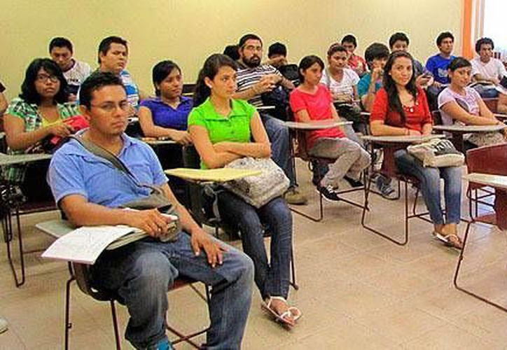 Este año se graduarán 111 alumnos, de tres diferentes licenciaturas. (Carlos Horta/SIPSE)