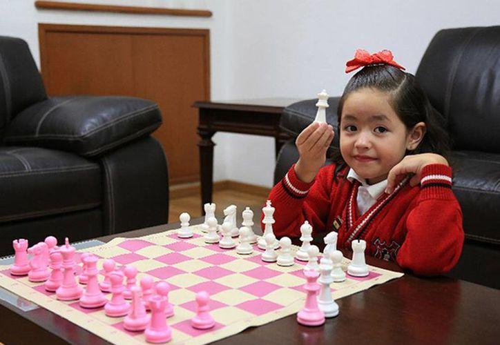 Ariadna Ortega Teoba ganó la medalla de bronce en una competencia donde participaron más de 300 ajedrecistas de 19 países. (Excelsior)