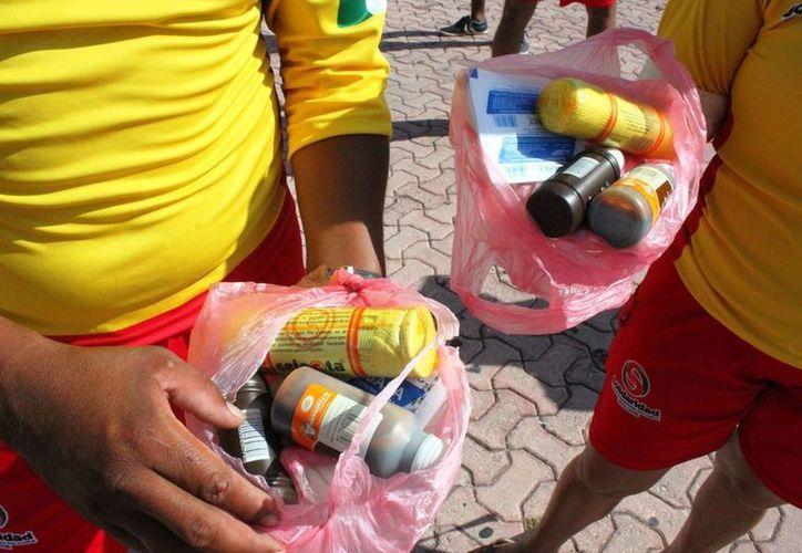 Los guardavidas de Playa del Carmen solicitan un mejor botiquín para esta temporada vacacional. (Daniel Pacheco/SIPSE)