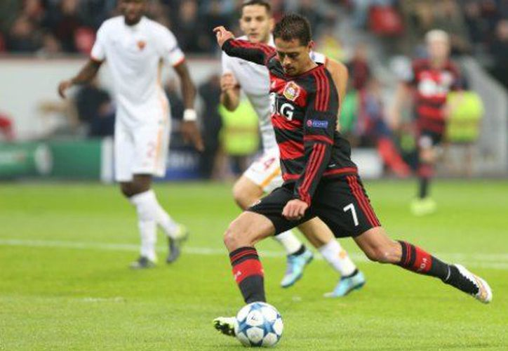 El futbolista jalisciense salió de cambio al minuto 68 y con cierta molestia ni siquiera dio la mano a su estratega Korkut Tayfun. (Foto: GettyImages)