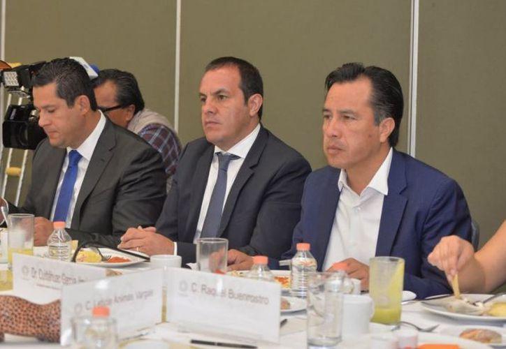 El miércoles volverán a reunirse las comisiones de enlace y confío en que para entonces Cuauhtémoc Blanco ya haya nombrado a su gabinete. (Twitter)