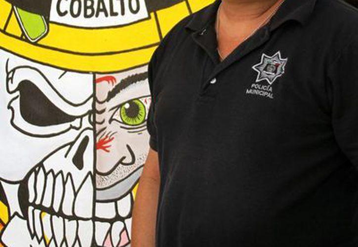 El titular de bomberos, Alejandro Contreras Sánchez, fue homenajeado ayer y se espera que hoy continúen los honores.(Archivo/SIPSE)