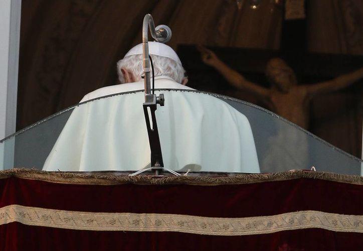 El papa Benedicto XVI escribió más de 65 libros y viajó mucho menos que Juan Pablo II. (Agencias)