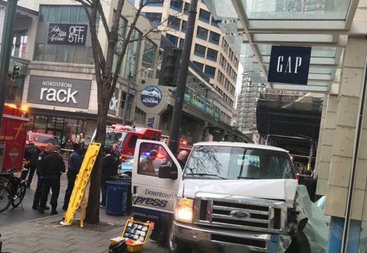 La Policía no ha comentado aún si se trata de un accidente de tráfico o de un ataque terrorista. (Foto: Milenio)
