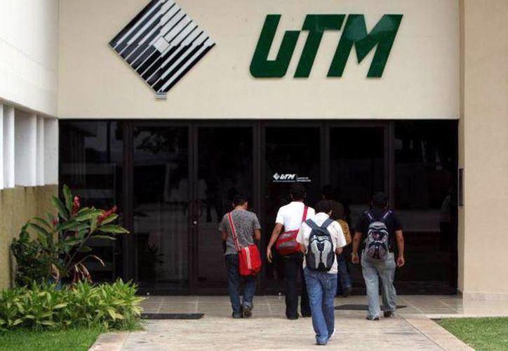 Inicia el proceso de selección para las universidades tecnológicas y los tecnológicos superiores en Yucatán. En la imagen, el acceso principal a la UTM de Mérida. (SIPSE)