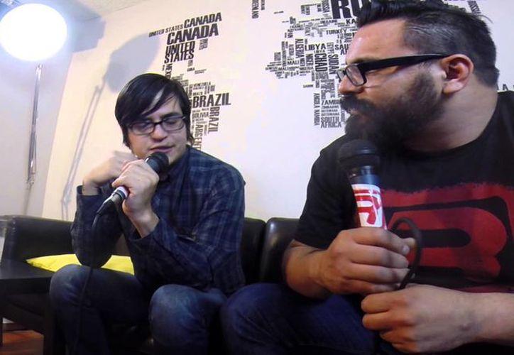 La banda no se ha pronunciado oficialmente sobre los mensajes de David Monroy (izquierda) en contra de los mexicanos. (Internet)