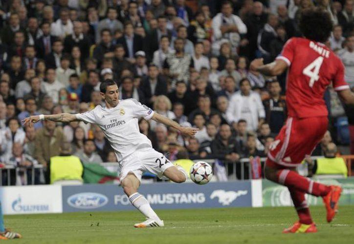Se desconoce en dónde jugará ahora Angel Di María (c), figura del Real Madrid y de la selección argentina. (Notimex/Foto de archivo)