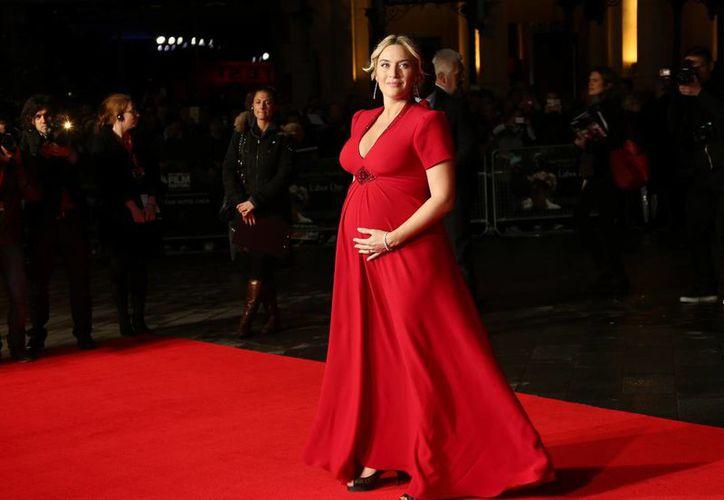 Kate Winslet, quien se convierte en madre por tercera vez, aparece en la foto durante la 57 edición del Festival de cine de Londres, en octubre de este año. (Agencias)