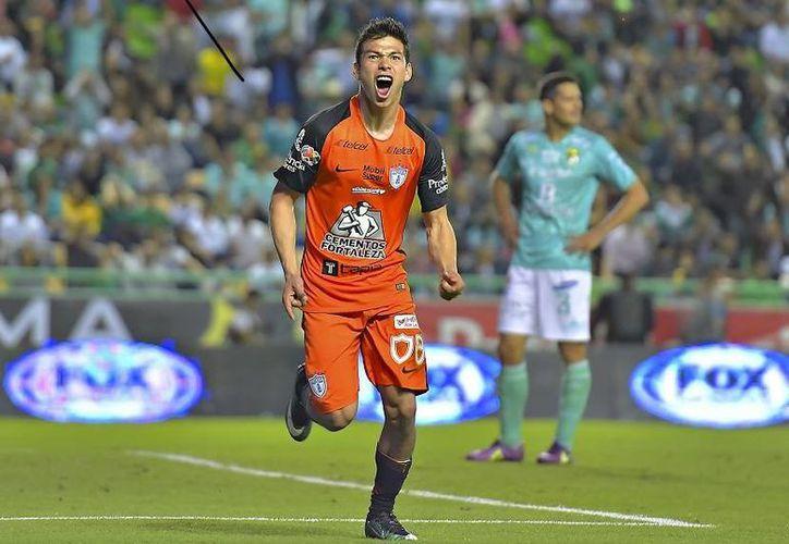 El futbolista Hirving Lozano superó en las votaciones a jugadores de la talla de Bryan Ruiz, Javier Hernández y Rubens Sambueza. (Notimex)