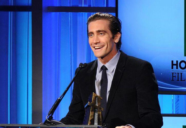 Gyllenhaal regresó a trabajar el jueves para un último día de filmación tras unas cuantas horas en la sala de emergencia donde fue atendido de un corte en  una mano. (Agencias)