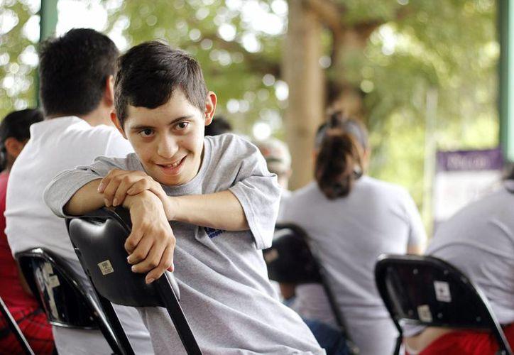 La entrega de cobertores para personas con discapacidad se realizó en el parque recreativo La Ceiba, ubicado en el sur de Mérida. (Cortesía)