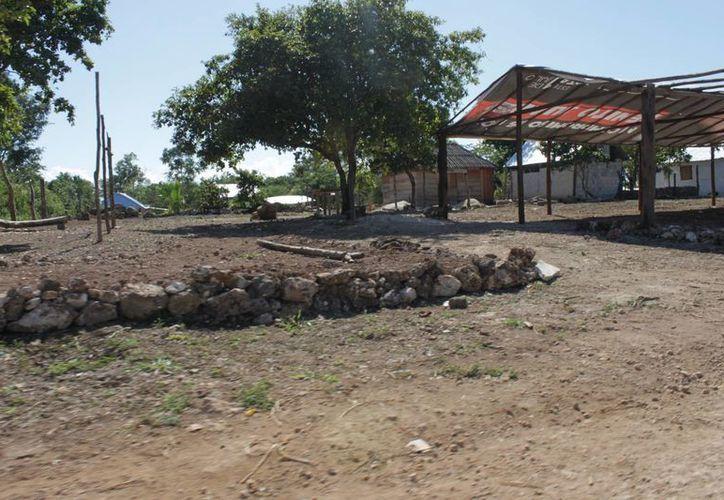 Comunidades de Othón P Blanco y Bacalar serán beneficiadas con 750 techos. (Gerardo Amaro/SIPSE)