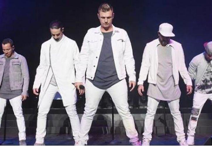Jimmy Fallon se propuso cantar junto a los Backstreet Boys y lo consiguió. (SDPnoticias)