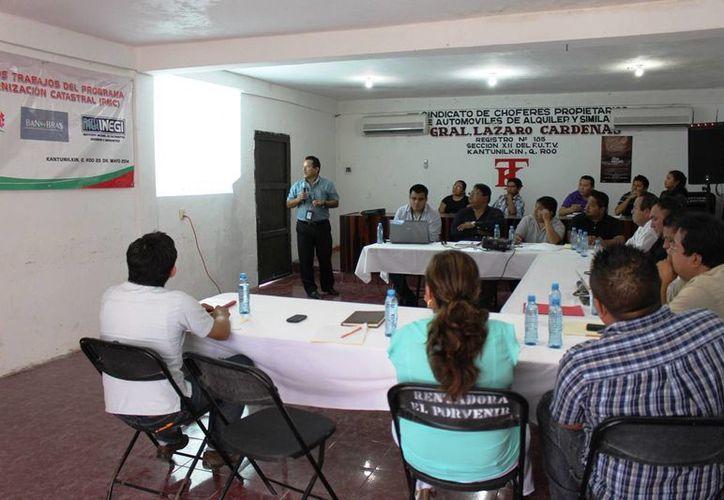 Las actividades se desarrollaron en el local del sindicato de taxistas. (Raúl Balam/SIPSE)
