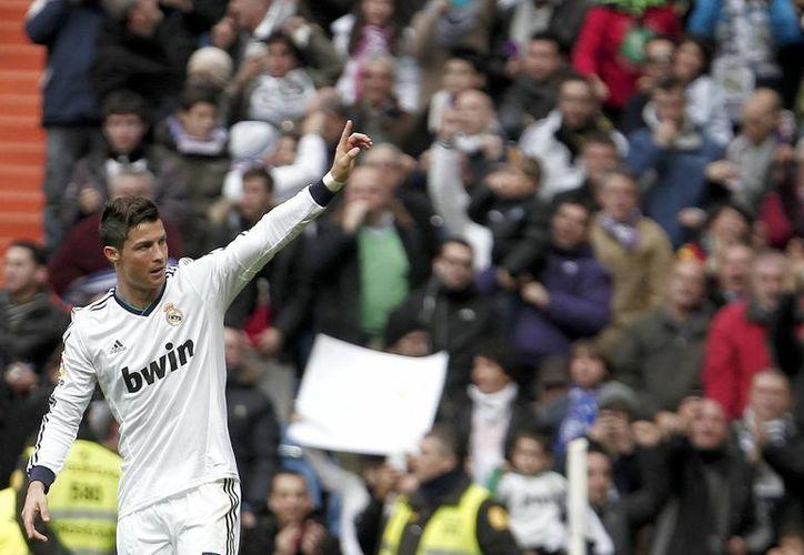 Ante el choque con Ecuador, en el estadio Alfonso Henriques, Cristiano reconoció sufrir de sobrecarga muscular, sin embargo 'el miércoles voy a dar mi contribución', indicó. (Notimex)