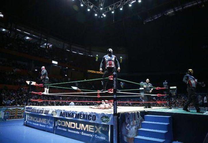 El tiroteo se suscitó minutos después de concluir la función de lucha libre de la Liga Elite en la Arena México. (Notimex)