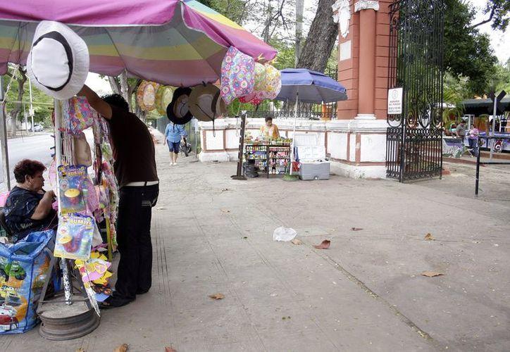 Las ventas de los comerciantes del zoológico han bajado en los últimos meses. (Tehani Ruz/SIPSE)