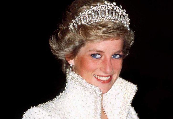 Hace ya 18 años que la princesa Diana dejó de existir. Un trágico accidente en París le arrebató la vida. (today.com)