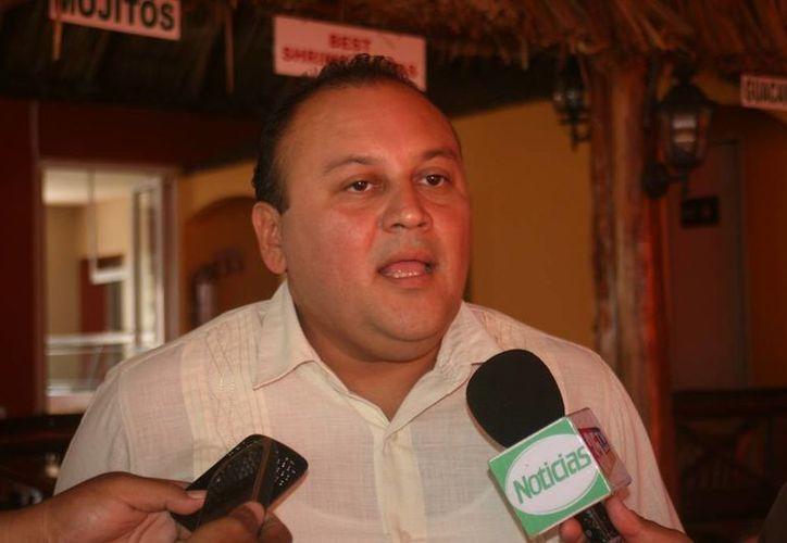 Ramón Humberto Escalante Cervera, regidor por el PRD pretende convertirse en consejero estatal del partido. (Irving Canul/SIPSE)