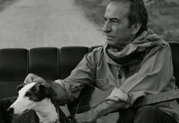 A pesar de su larga trayectoria musical, José Luis Perales quiere explorar otras disciplinas artísticas y está pronto a publicar su primera novela titulada 'La melodía del tiempo'. (joseluisperales.net)