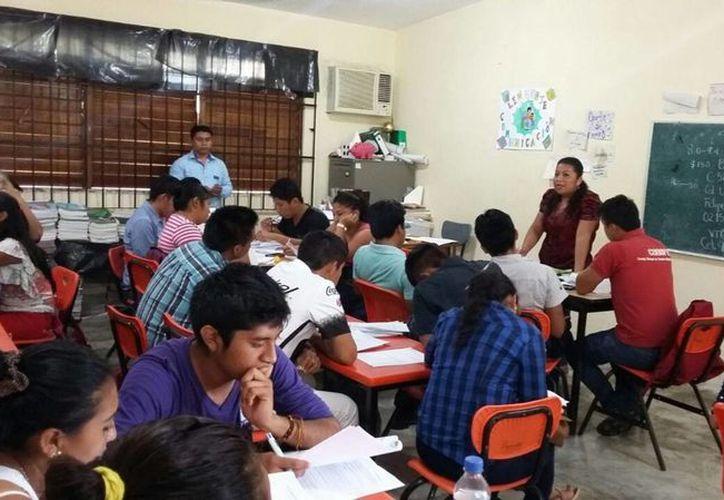 El Conafe atiende en la zona maya un total de 49 localidades rurales. (Benjamín Pat/ SIPSE)