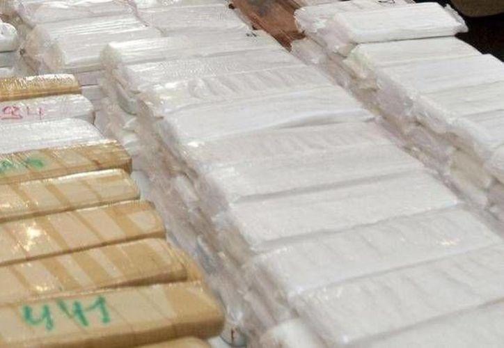 La droga incautada fue encontrada en dos contenedores. Imagen ilustrativa que no corresponde al hecho. (Foto de Archivo)