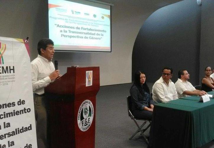 Imagen de la participación del fiscal del Estado, Ariel Francisco Aldecua Kuk , en la inauguración del curso de igualdad de género para elementos de la SSP y FGE. (Milenio Novedades)