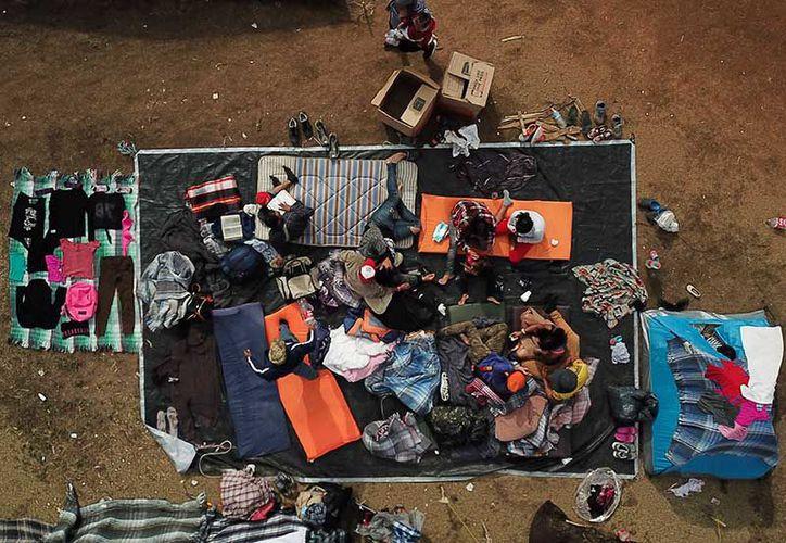 Los migrantes podrían pasar varios meses en espera de que representantes de Estados Unidos puedan dialogar con ellos. (Excélsior)
