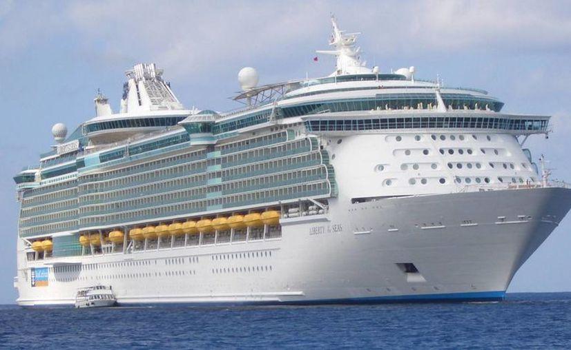 El crucero Liberty de la empresa naviera Carnival decidió cancelar su viaje al Caribe mexicano, que incluía una visita a Progreso, debido a fallas mecánicas. (Archivo/SIPSE)