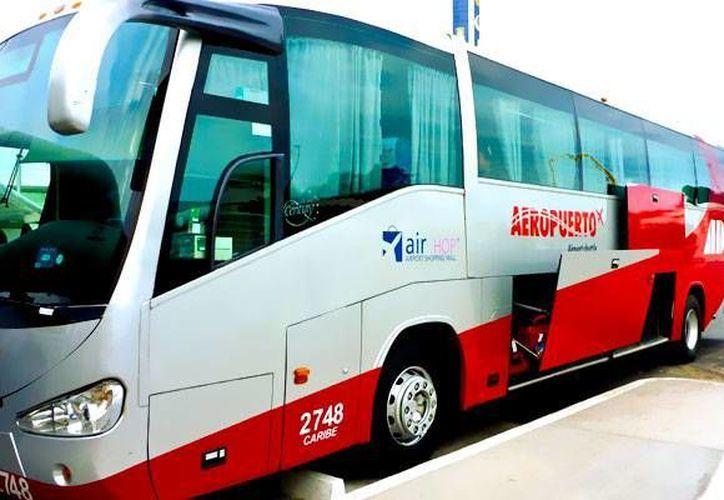 Las 18 unidades presentarán servicio en las rutas Cancún, Paya del Carmen y Mérida. (Redacción/SIPSE)