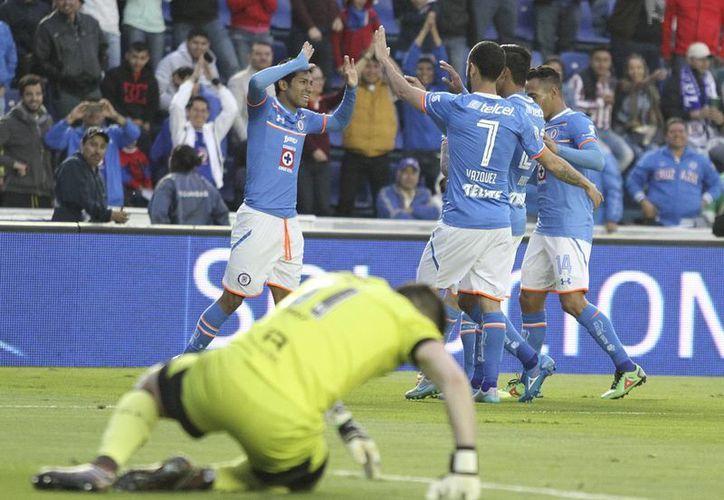 El Cruz Azul se ha visto con buen juego en lo que va del torneo, sin embargo, aún quedan puntos por explotar como lo es la delantera. (Imágenes de Mexsport)