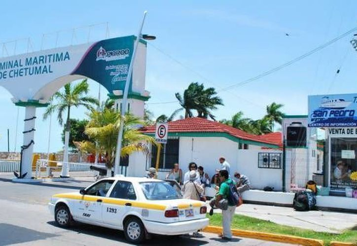 Los turistas beliceños también aprovecharían para realizar compras de abarrotes y otros productos en Quintana Roo. (Archivo/SIPSE)