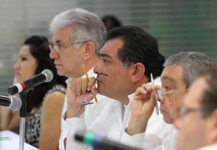 El Consejo Consultivo para el Desarrollo Económico de Yucatán presentó al secretario general de Gobierno (c) el programa sectorial de desarrollo económico. (Cortesía)