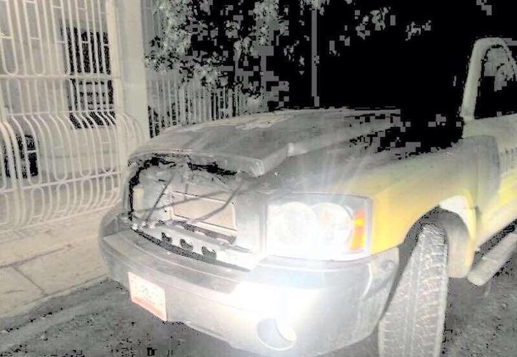El vehículo de Leobardo Rojas López quedó siniestrado. (Twitter/@PRDCancun)